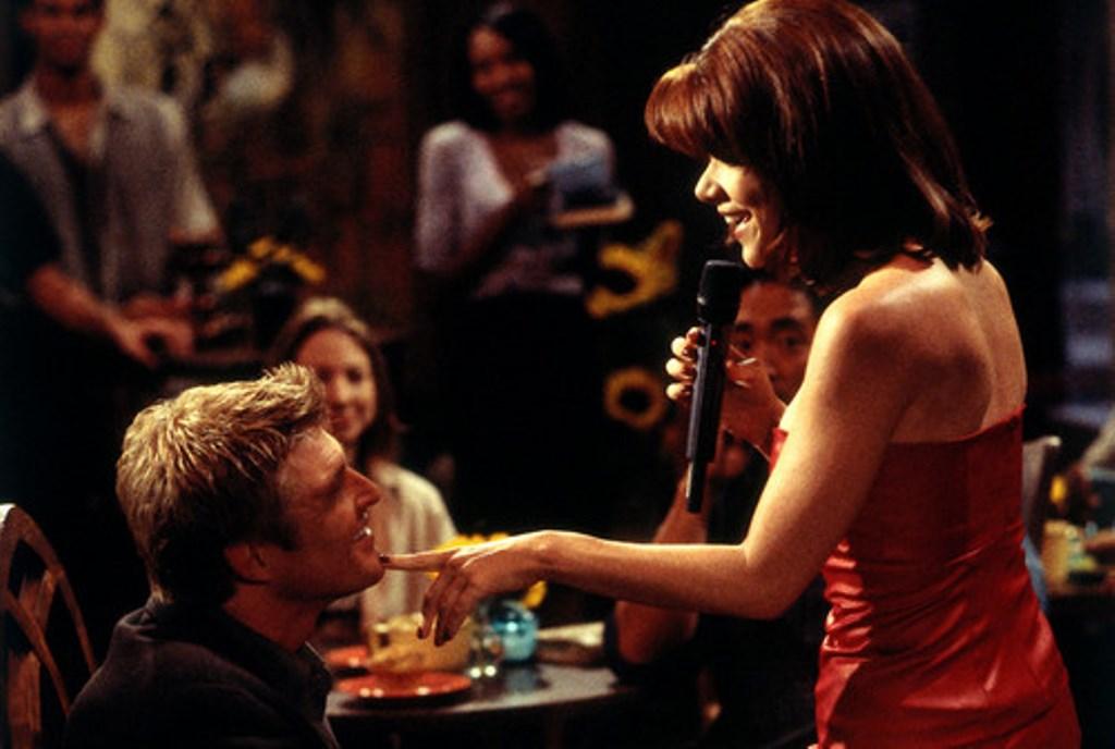 Ricordate le doti canore di Macy? Trascinò anche Thorne nei suoi Karaoke.