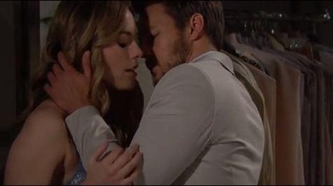 Steffy sorprende Liam e Hope mentre si baciano
