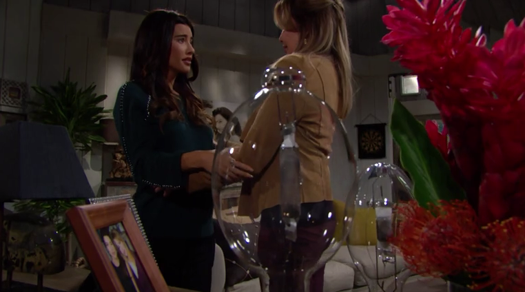 Beautiful Steffy convince Taylor a restare