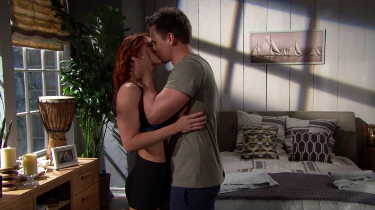 Beautiful Wyatt e Sally si baciano